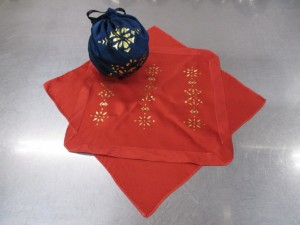 金彩加工の丸巾着