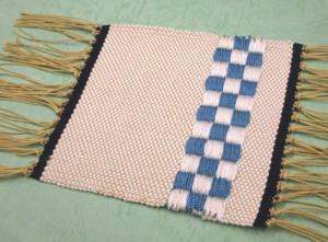 機織り体験「浮き織りコースター」